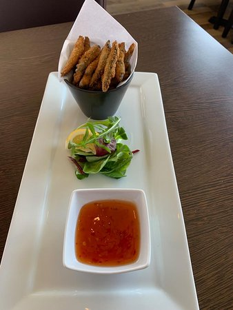 Blu Bar & Restaurant: Crispy Whitebait served with dipping sweet chilli sauce