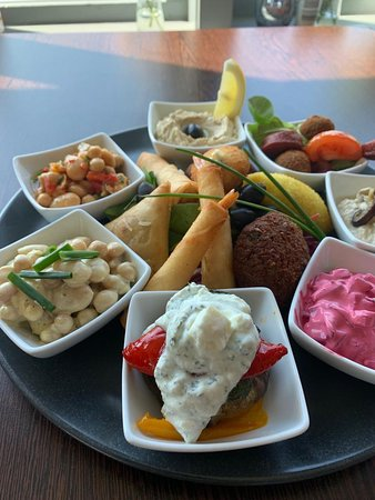 Chefs selection of Mezes