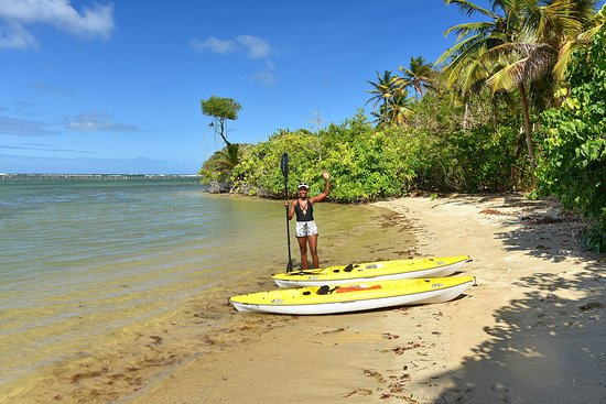 Praslin Quarter, Saint Lucia: A hot day at Kayak on the Bay