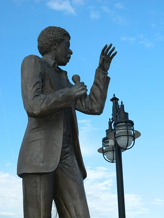 Richard Pryor Statue by Preston Jackson