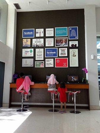 Grand Tjokro Bandung: Internet Zone