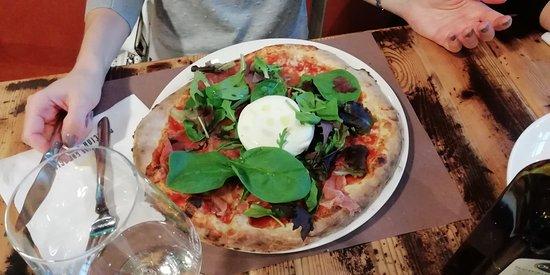 Officina Gambrinus: Pizza Burrata