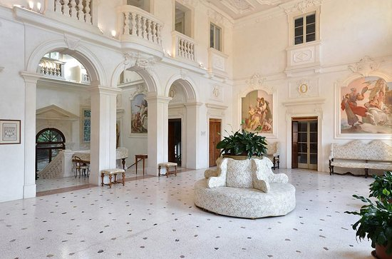 Villa Loschi Zileri