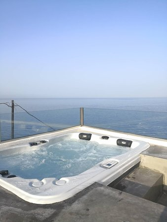 The wonderfull spa at the roof garden.