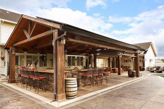 Sutter, แคลิฟอร์เนีย: Outdoor tasting room
