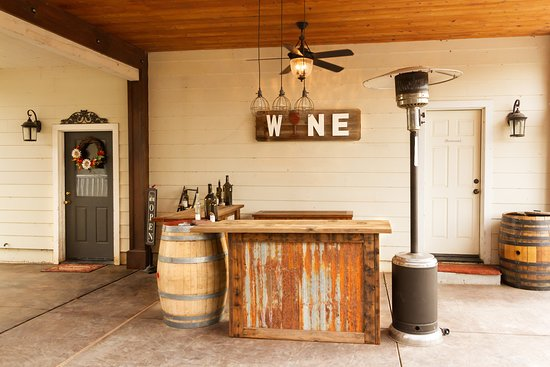 Sutter, แคลิฟอร์เนีย: Wine tasting bar