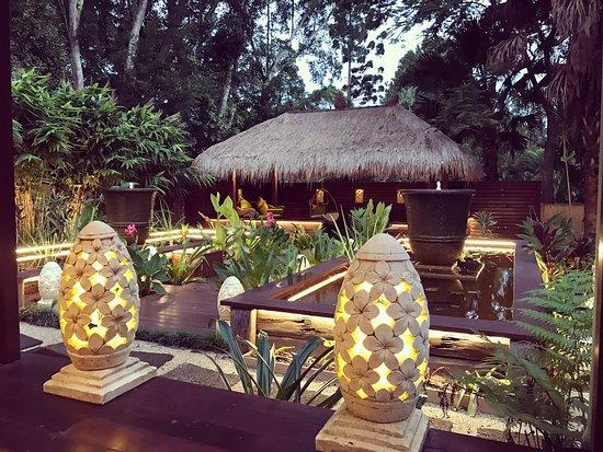 The Pocket, Australia: Evening light - Bliss Cottage - absolute tranquility #byronbay #hinterland #baliinspired #bestfriends #romantic #getaway