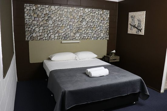 Rosslea, Australië: One of our Queen Rooms