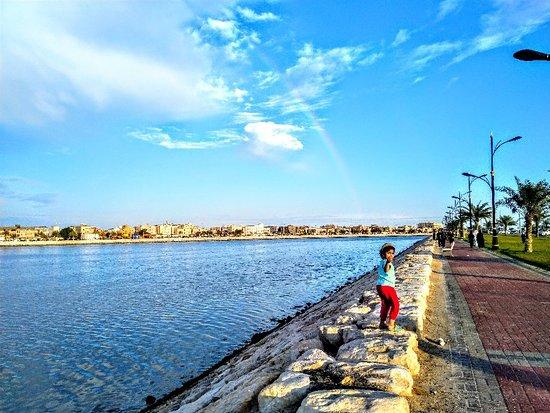 Al Qatif, Saoedi-Arabië: كرنيش القطيف يتميز بالهدوء والراحة النفسية التي يفضلها العوائل وأطفالهم