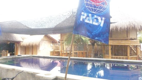 Gili Meno, Indonezja: Chill in the pool after your dive