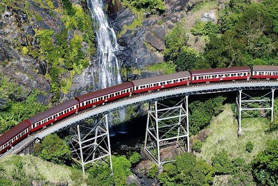 Viagem diurna com passeio na Ferrovia...