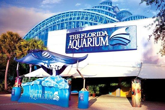 El acuario de Florida en la bahía de...
