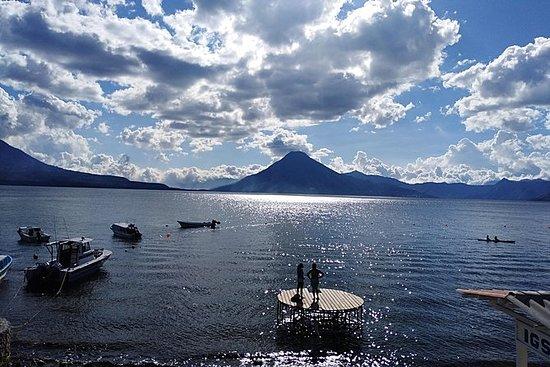 Lake Atitlan og landsbyer fra Antigua