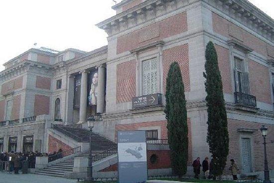Entrada al Museo del Prado de Madrid