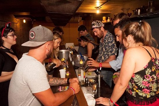 Rio's Pub Crawl Bar Hop i Lapa...