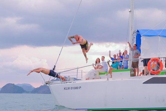 Sunset Party Yacht Cruise