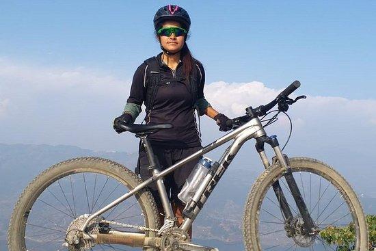 Escursione in mountain bike in
