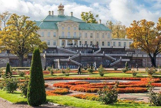 Peterhof, Oranienbaum, Kronstadt på en dag med privat guide