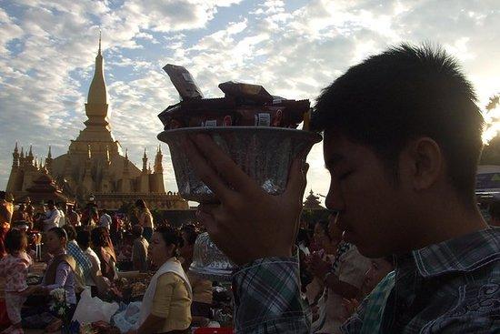 Full Day Tour i Vientiane inkludert...