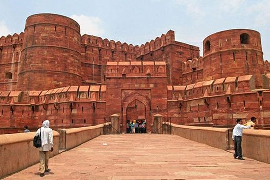 Samme dag Taj Mahal tur med bil fra...