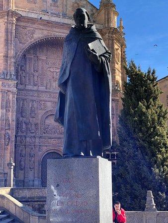 Monumento a Francisco de Vitoria - Salamanca