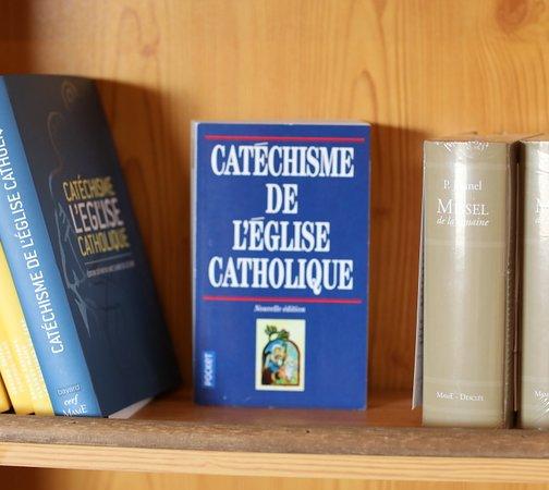 Abbaye Notre Dame de Veniere: L'abbaye propose aussi une vente d'ouvrages religieux