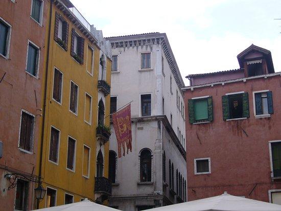 foto de Campo San Bartolomeo (Venice) - 2020 All You Need to Know BEFORE ...
