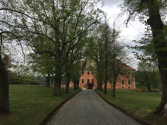 Bechyne, República Checa: Příjezd k budově bechyňského zámku