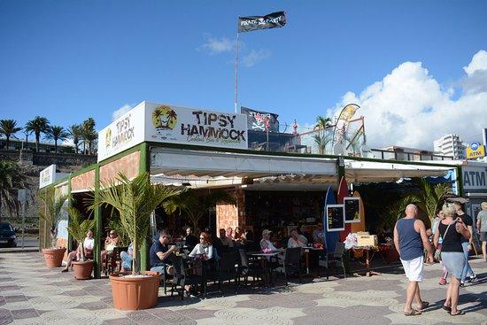 Tipsy Hammock Bar