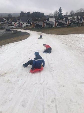 Zelfs met bijna geen sneeuw is het op de Neuastenberg goed vertoeven!