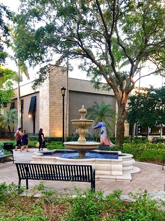 d7209b0aa08 Sawgrass Mills (Sunrise) - 2019 All You Need to Know BEFORE You Go ...