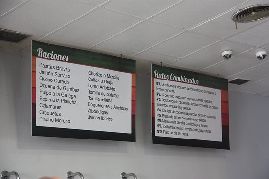 Restaurante El Vergel: Carta en la pared del restaurante