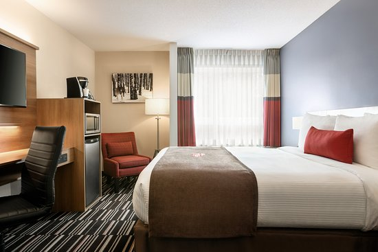 Pictures of Microtel Inn and Suites by Wyndham Mont Tremblant - Mont Tremblant Photos - Tripadvisor