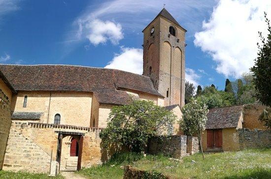 Ensemble Episcopal de Plazac (Église et Château des Évêques)