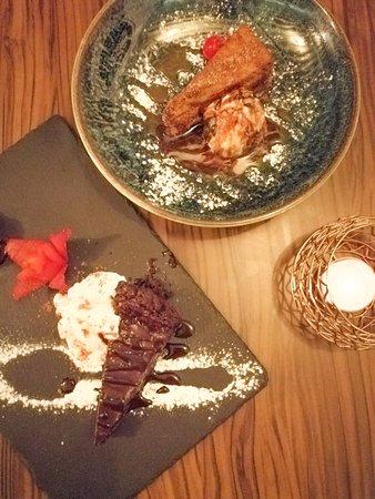 Casa Iberica: Alguno de nuestros postres... Tarta de chocolate al 70% de chocolate negro y Torrija de la abuela con Gelato