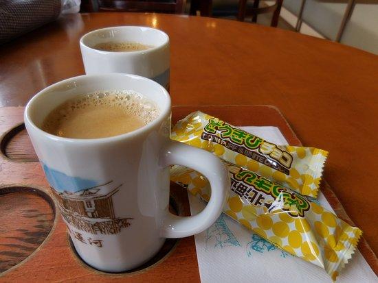 Silver Bells Store No. 1: カップ付コーヒー1
