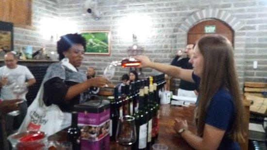 תמונה מTour Du Vin in Jolimont Winery