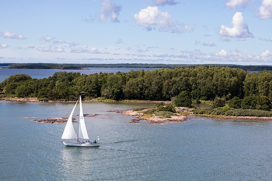 Looking for a summer destination that's a little bit different? The Aland archipelago between Finland and Sweden is my top recommendation. Blue baltic seas, a scatter of richly forested islands, and heaps of unique Finnish-Swedish culture... definitely a unique spot! The water is a little on the chilly side, but it's great for sailing, kayaking, and SUP - and you can warm up in the sauna afterwards!