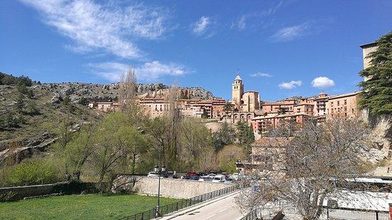 Hotel Arabia & Apartamentos El Recreo, hoteles en Albarracín