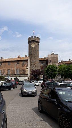 Bagnaia, อิตาลี: Torre dell'orologio