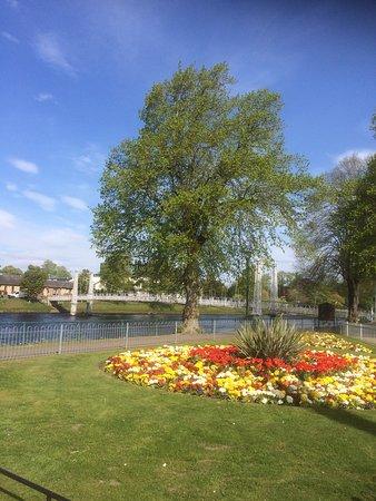 Beautiful Gardens on our Waterways Tour