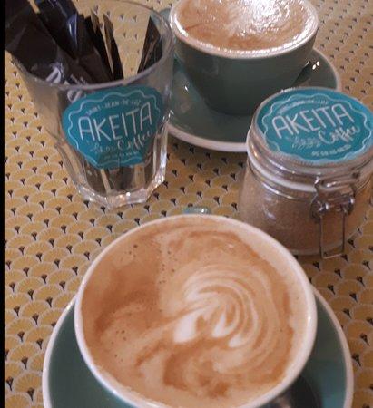 Akeita Coffee: Cafés