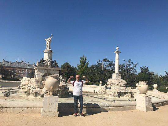 Royal Palace of Aranjuez: Fuente de Hércules en los jardines