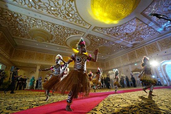 Myko Hotel & Convention Center Makassar: Pesta pernikahan dengan nilai kultural di Diamond Ballroom