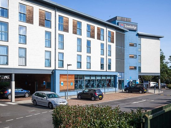 Typical Travelodge in convenient location for A1 and M25