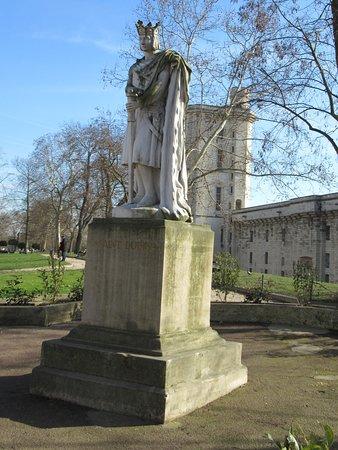 Vincennes, Francúzsko: La statue