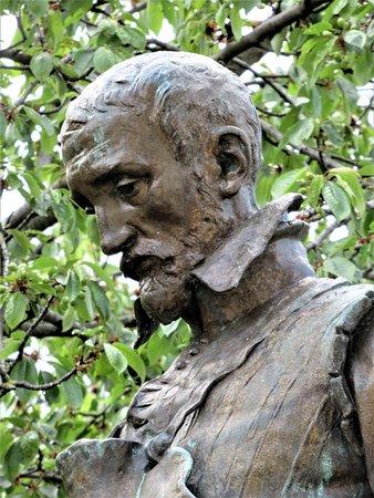 Monument a Bernard Palissy