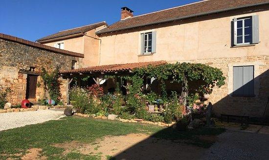 Saint-Jory-las-Bloux, ฝรั่งเศส: Chambre d'hôte Le Canard Enchanté. Chambre simple et propre. Idéal pour un stop dans le nord Dordogne. Petit déjeuner copieux et hôte sympathique. je recommande.