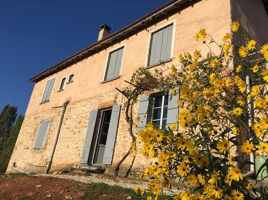 Saint-Jory-las-Bloux, ฝรั่งเศส: Vue extérieur de la maison d'hôte
