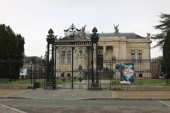 ลาวาล, ฝรั่งเศส: Vue extérieure